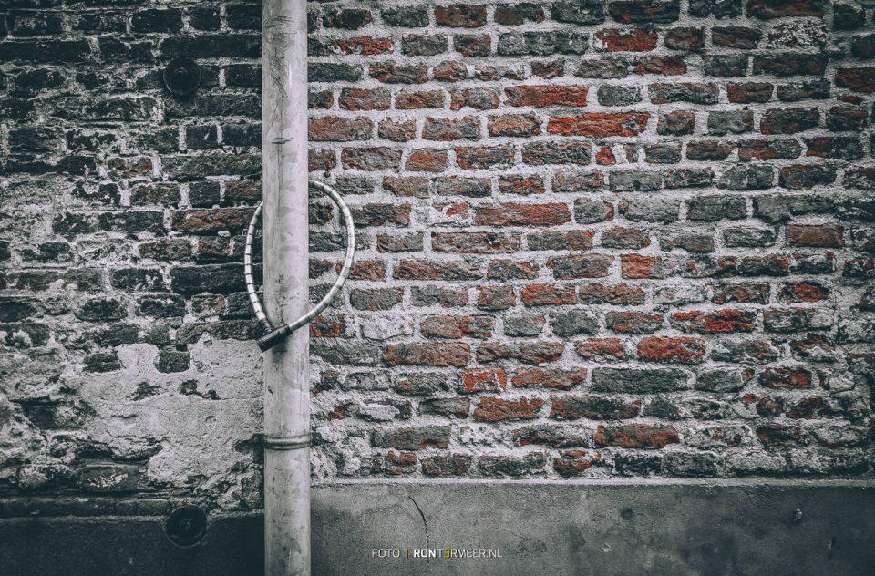 Ketting aan de muur