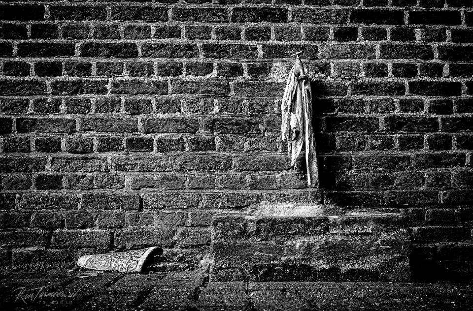 Water op de begraafplaats
